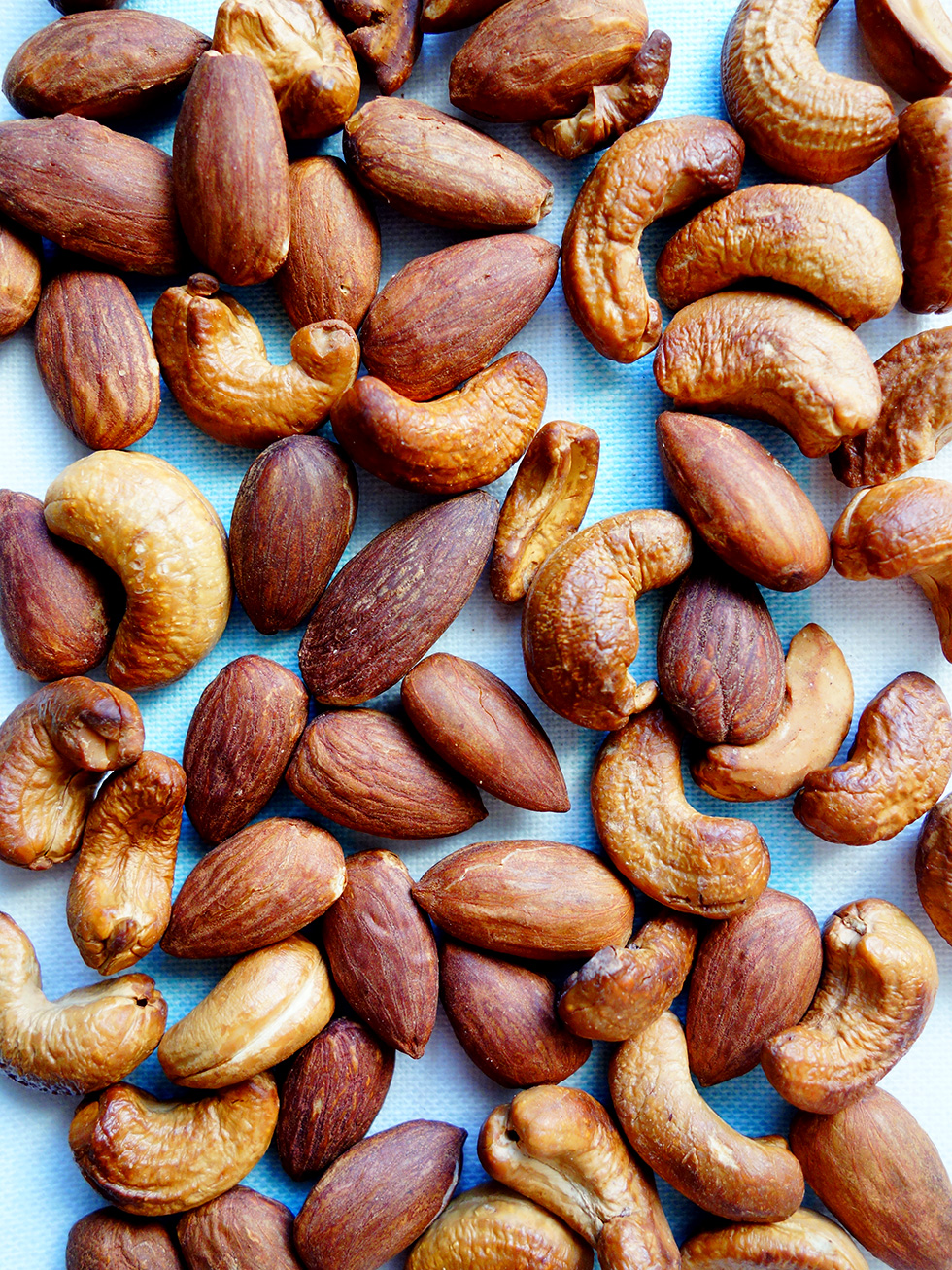 Perfect Dry Roasted Nuts Almonds Cashews