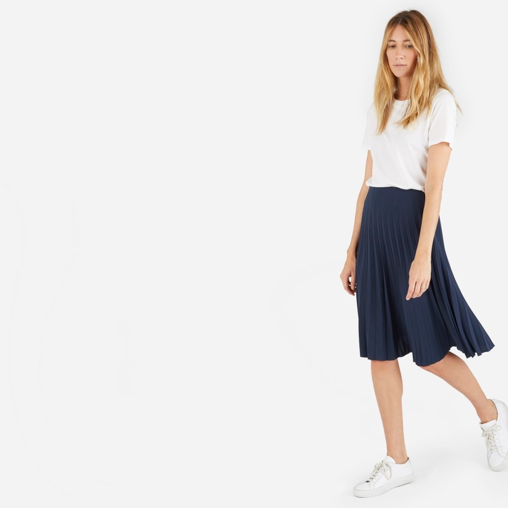 2016 Fall Basics [Ethical Edit] | The Curious Button, an ethically conscious life + style blog | Everlane - The Pleated Skirt