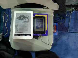 Mirasol and Color E-ink Side by Side Conferences & Trade shows e-Reading Hardware