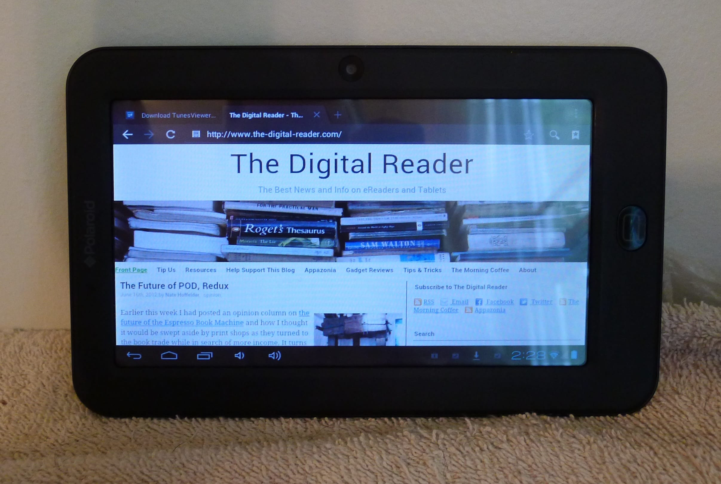 A Brief Review Of The Polaroid Pmid 702c Android Tablet The Digital Reader