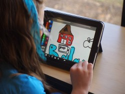 New Survey Shows Half of US High Schoolers Own a Tablet or Smartphone surveys & polls