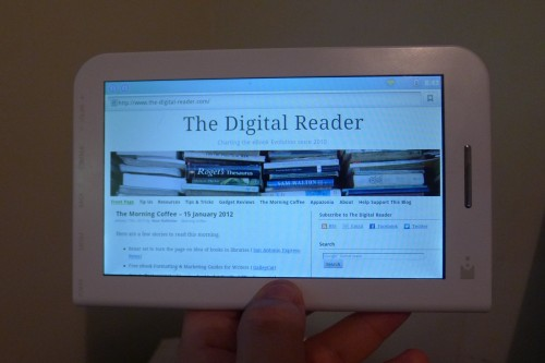 Review: Toshiba DB50 eReader Supports Blio Format, is Just Another Android Tablet Reviews
