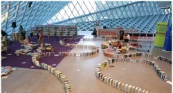 Seattle Public Library Sets World Record for Longest Book Domino Chain (video) Uncategorized