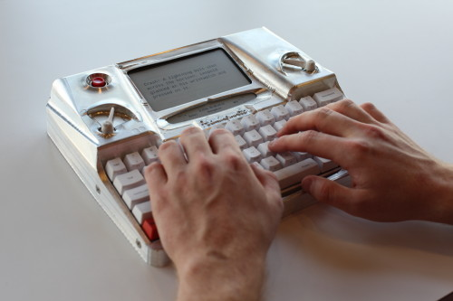 The Hemingwrite Wants to be Your Retro Word Processor on the Go E-ink e-Reading Hardware Writing