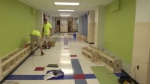 A Virginia High School Rips Out Lockers, Replaces Them With Benches and Charging Stations e-Reading Hardware Education