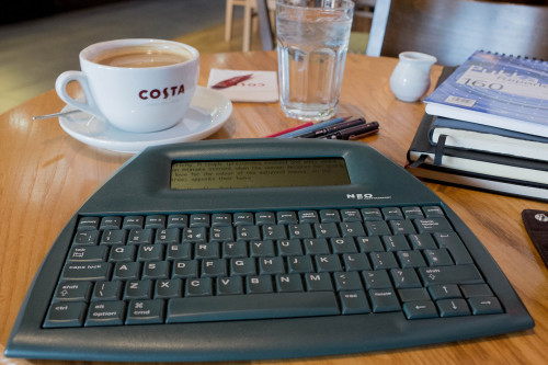 In Praise of the Alphasmart Neo Blast from the Past e-Reading Hardware Writing