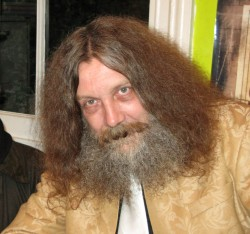 "Alan Moore's Advice to Authors: Self-Publish, Because ""Publishing's a Complete Mess"" Self-Pub"