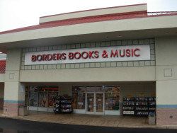 B&N: Consumers Aren't Buying Pasta, Tchotchkes, or Nooks Barnes & Noble