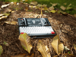 Hands On with the FreeWrite Hipster Typewriter (video) Reviews Tech Writing