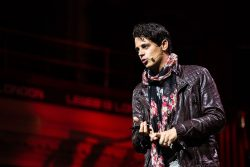 Milo Yiannopoulos Loses Book Deal Over Pro-Pedophilia Position Publishing