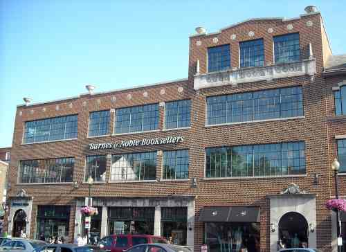 Amazon to Open Bookstore in Old B&N Location in Washington DC Amazon Bookstore