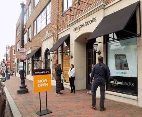 Amazon's First DC-Area Bookstore Opens Amazon Bookstore