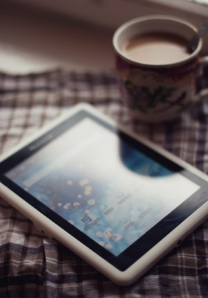 What to Do With an Eight Year Old Android Tablet? e-Reading Hardware Tips and Tricks