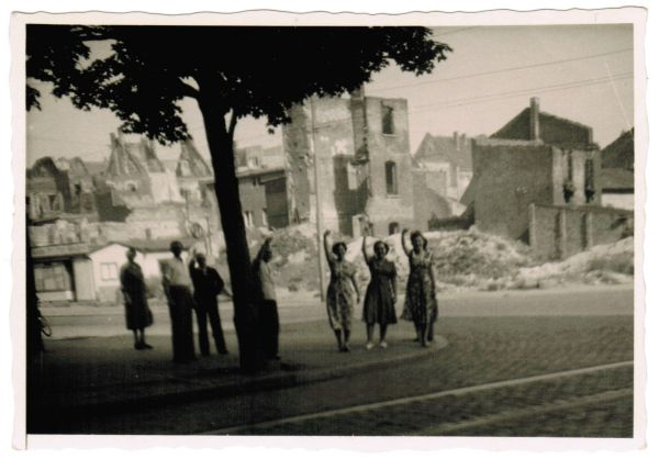 Wir aren Flüchtlinge - Corneliusstr. / Oberbilker Allee ca. Sommer 1953