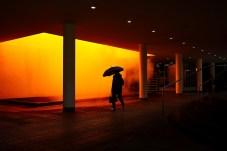 Bild der KW48: Mann mit Schirm