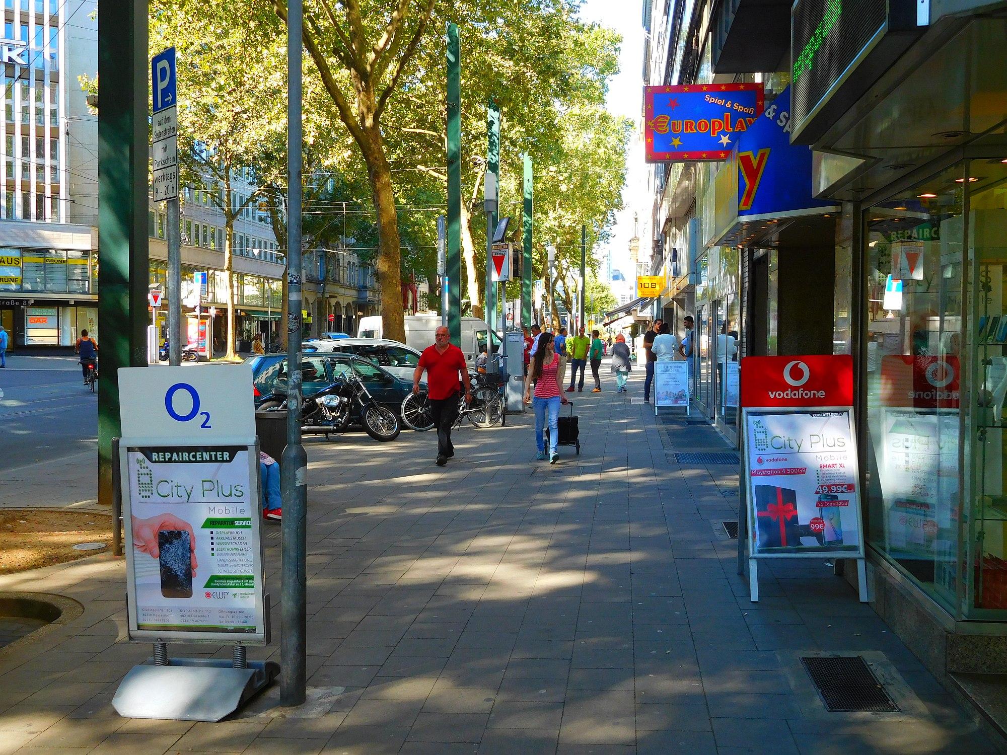 Ganz am Anfang der Graf-Adolf-Straße
