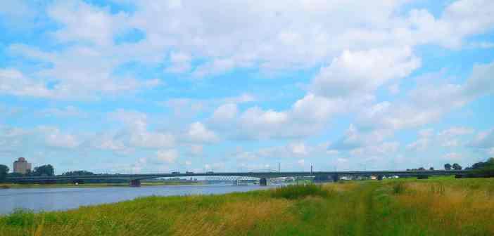 Südbrücke und Himmel (eigenes Foto)