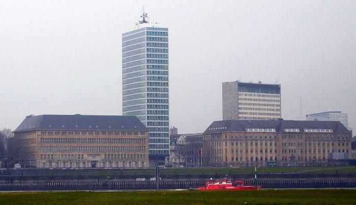 Mannesmann-Hochhaus und Peter-Behrens-Bau (Foto: TD)