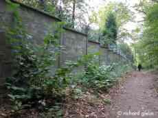 Die-Mauer-Grafenberger-Wald-Okt.2009_bearbeitet-1