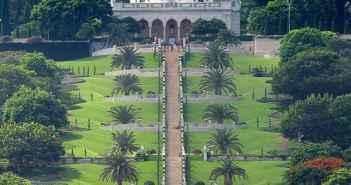 Die Gärten des Bahai-Weltzentrums in Haifa (Foto: Wikimedia)