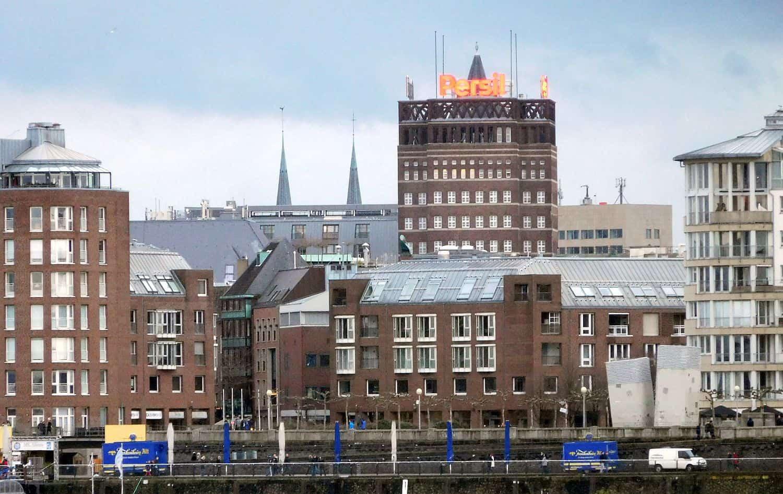 Damit fing die Ära der Hochhäuser in Düsseldorf an: das Wilhelm-Marx-Haus (Foto: TD)