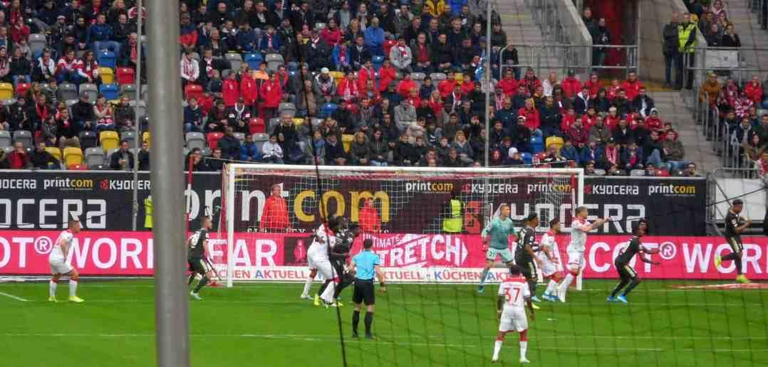F95 vs Mainz: Ecke, kein Tor