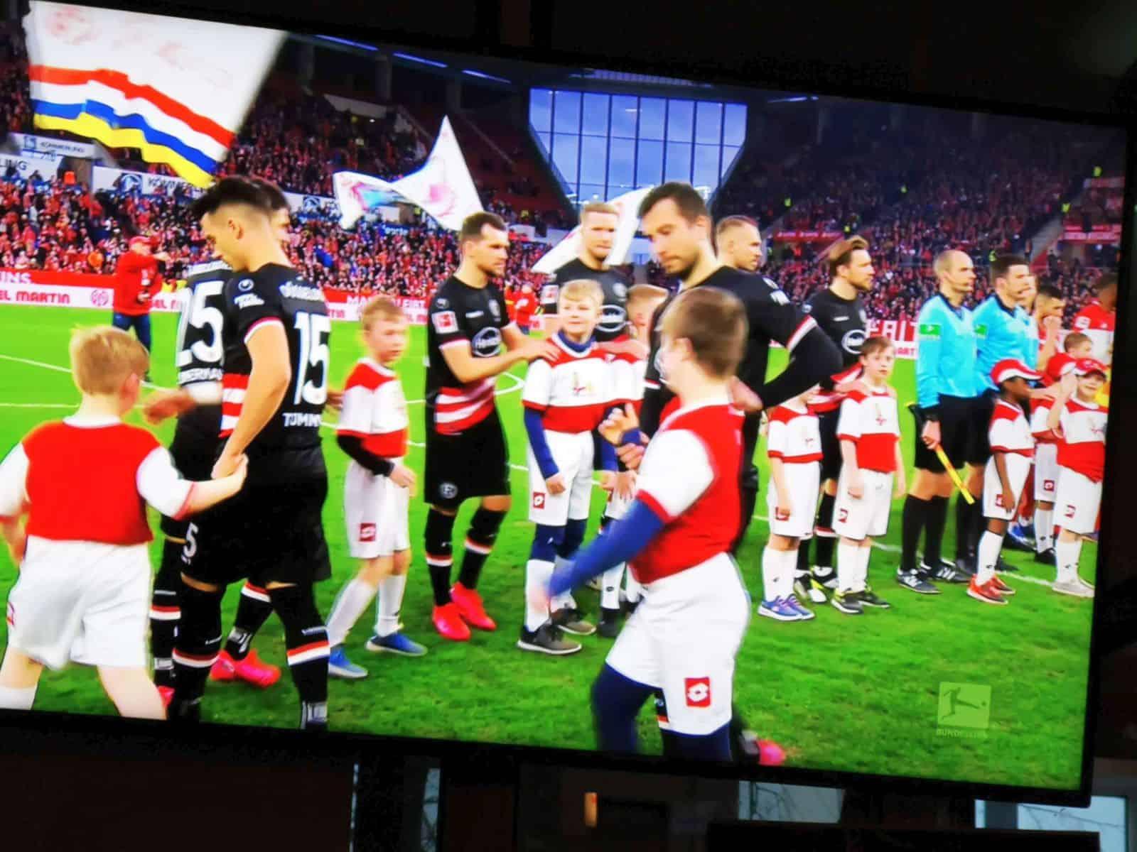 Mainz vs F95: Mannschaft und Kinder - inklusives Auflaufen