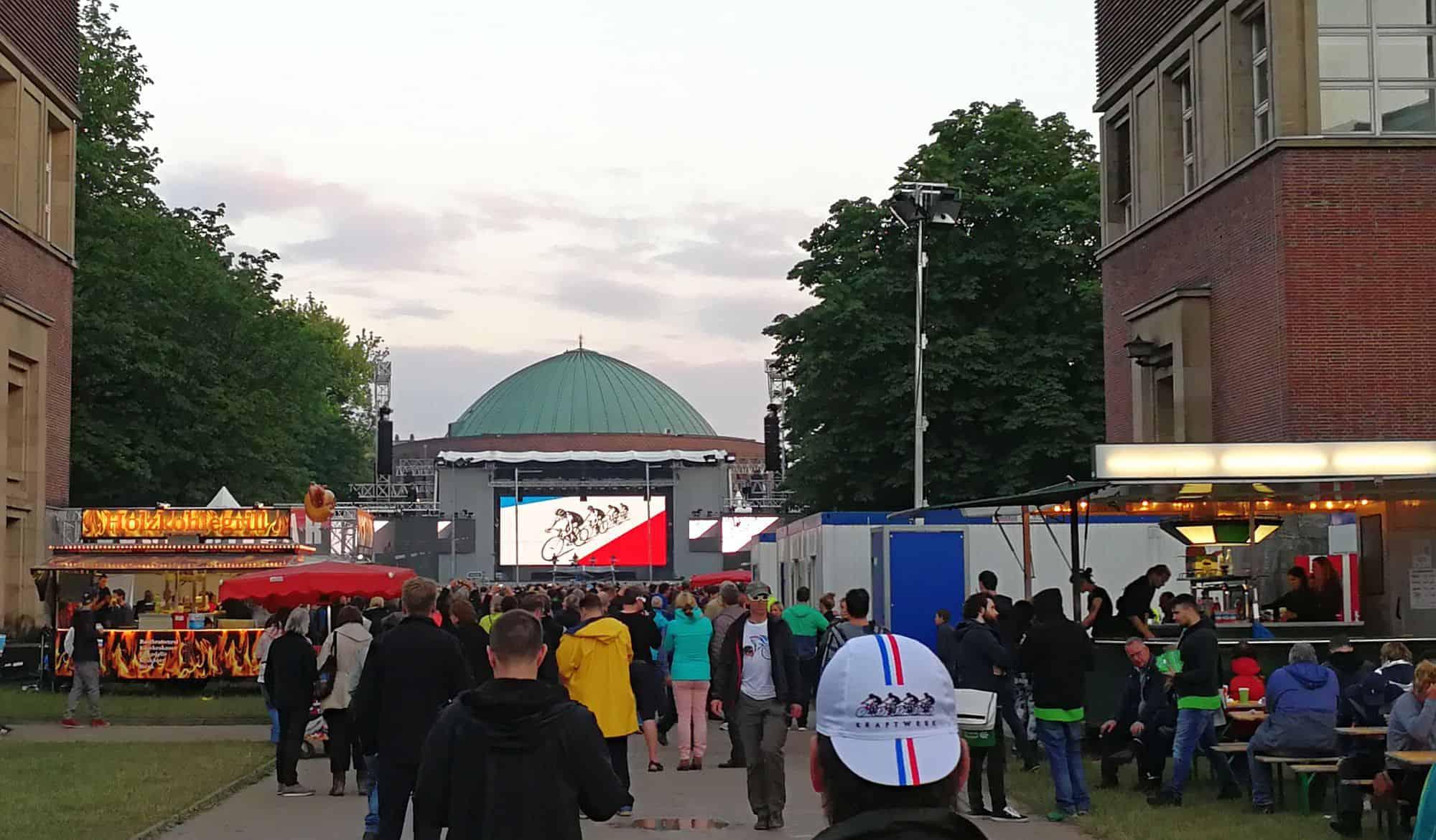 Juli 2017: Kraftwerk ohne Florian Schneider, aber wenigstens mit Fahrrad