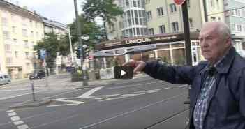 Karl-Heinz Spahnke auf Spurensuche (Bild: Screenshot)
