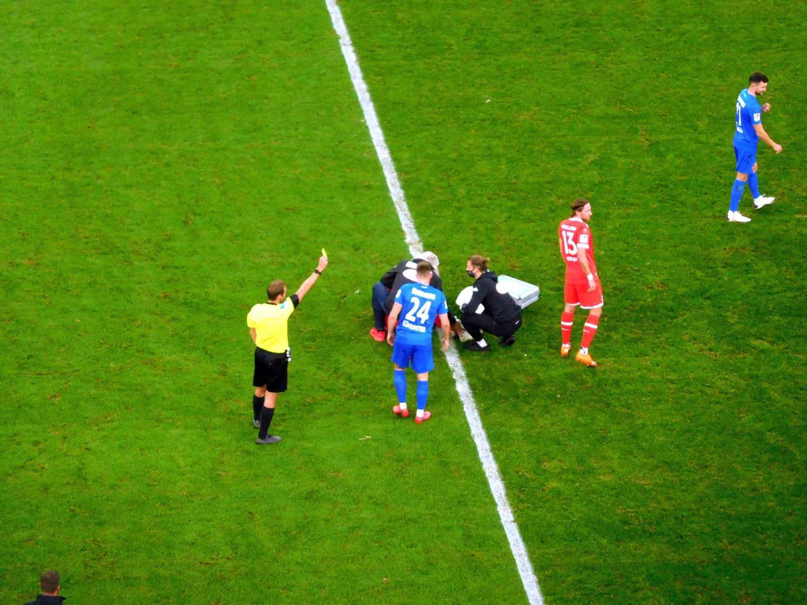 F96 vs HDH: Gelb für Blau (Foto: TD)