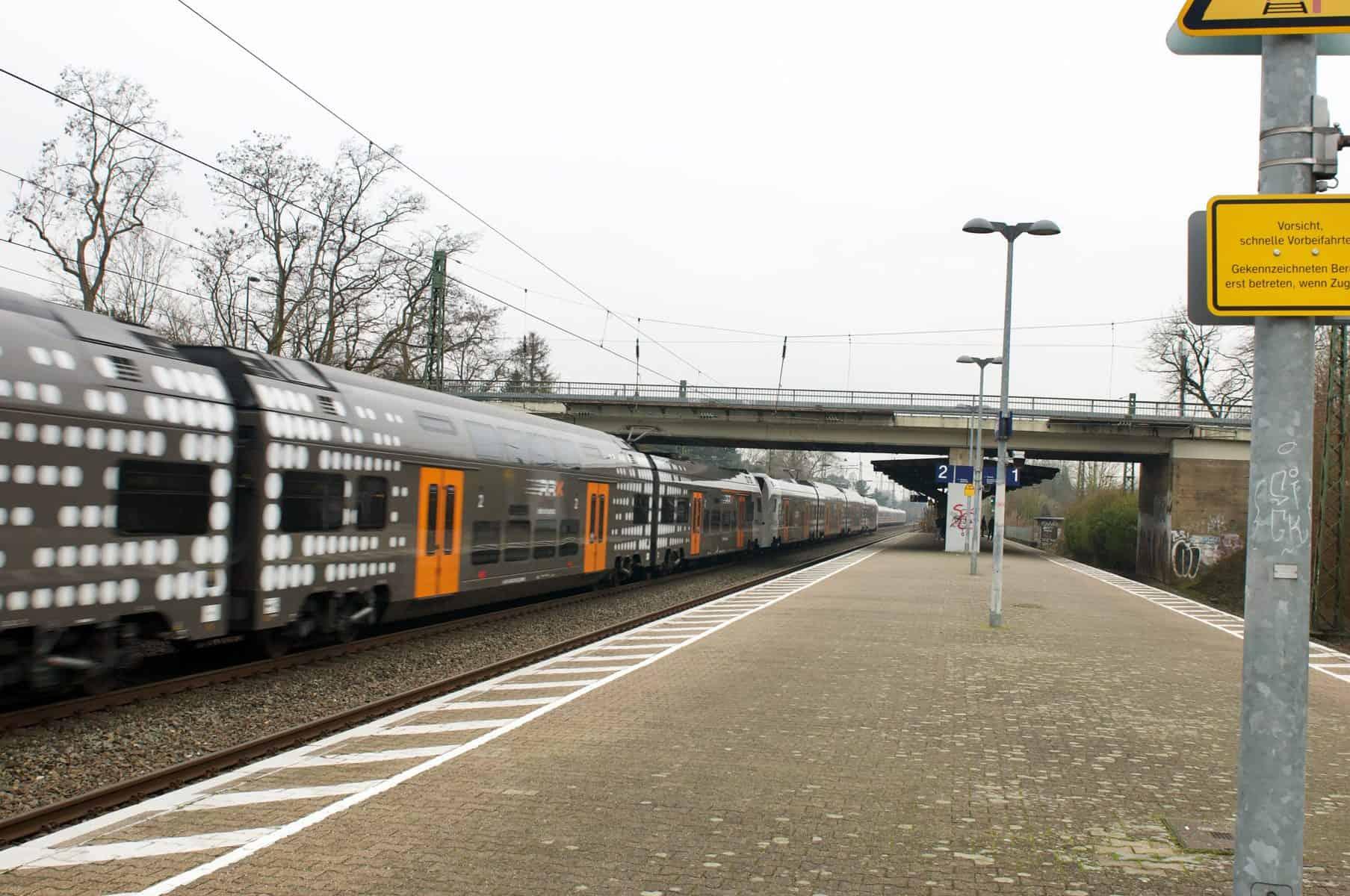 Am S-Bahn-Haltepunkt Angermund gibt es jede Menge Bedarf an Instandhaltung und Verbesserung (Foto: Initiative Angermund)