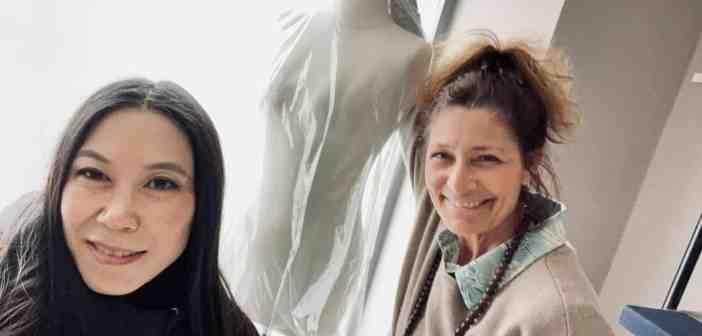 Brigitta Prinz (rechts) und Sora Han freuen sich über die Eröffnung ihrer neuen Fashion-Adresse
