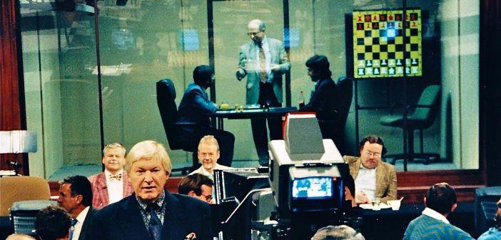 Schach der Großmeister: Ahnand vs Kramnik 1996 live im Fernsehen (Foto via Wikimedia)