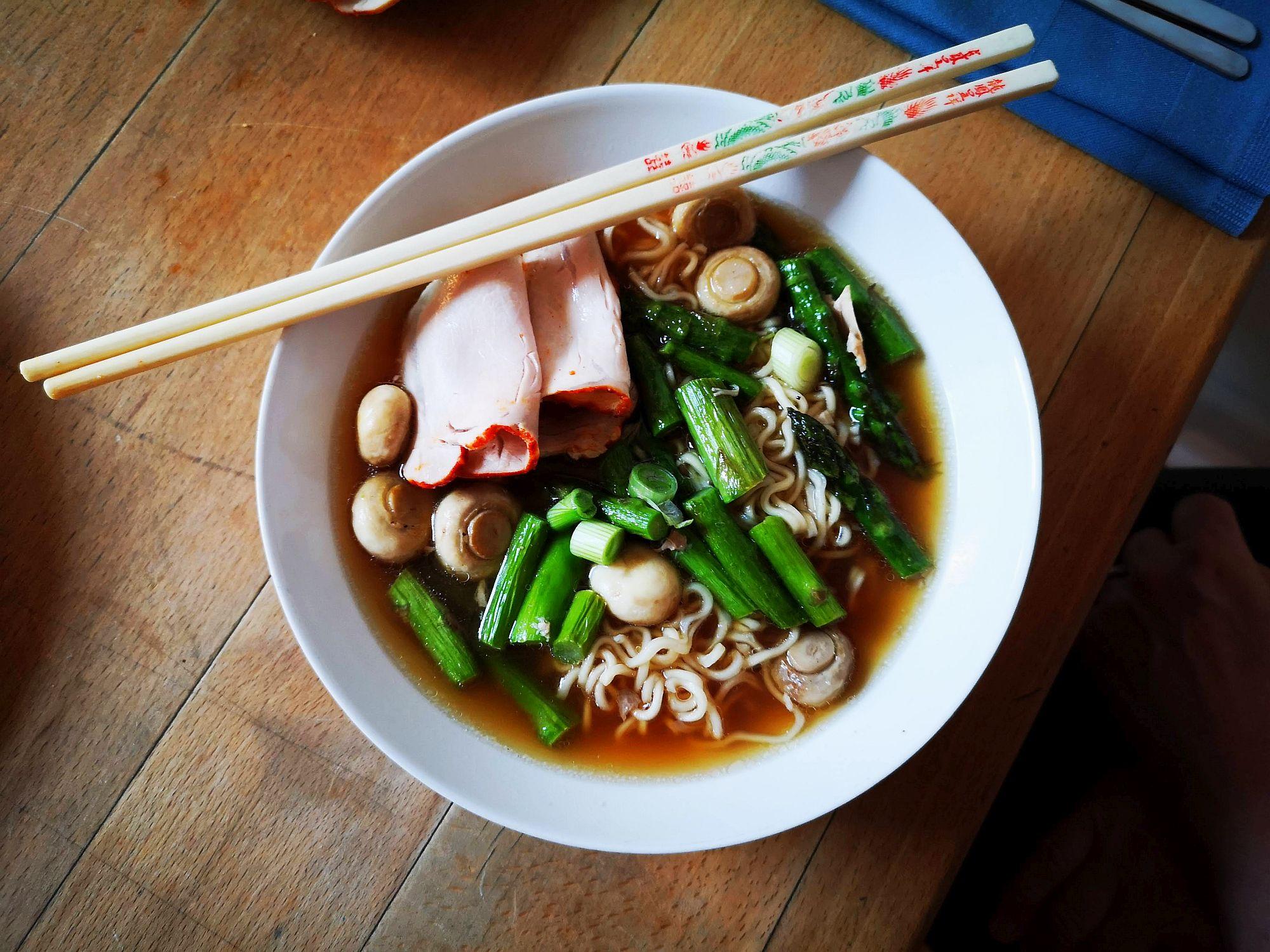 Ramen-Suppe mit Spargel (Foto: TD)