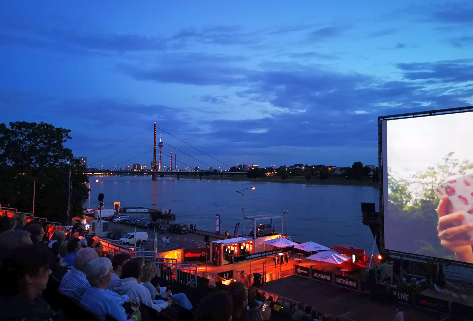 2021 endlich wieder: Das Open-Air-Kino im Rheinpark Golzheim (Foto: TD)