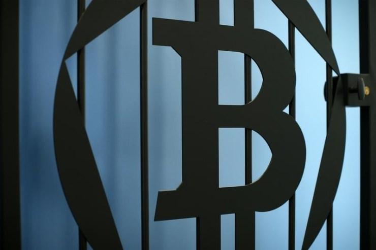 © Reuters.   Smart Dubai, IBM Launch Dubai Blockchain Platform to Digitize Process & Services
