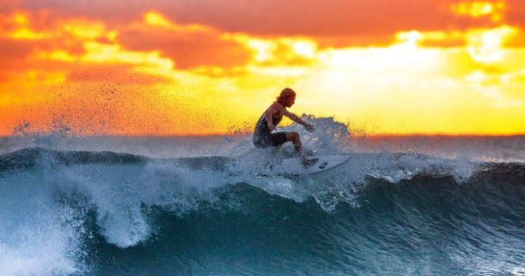 waves cryptocurrency surfer