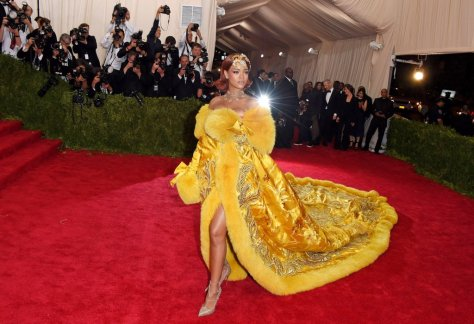 Her Robe Gown Stole the Show at the 2015 Met Gala