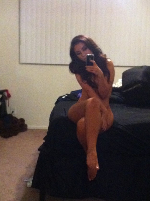 Uldouz Wallace Leaked Nude Photos by the Fappening