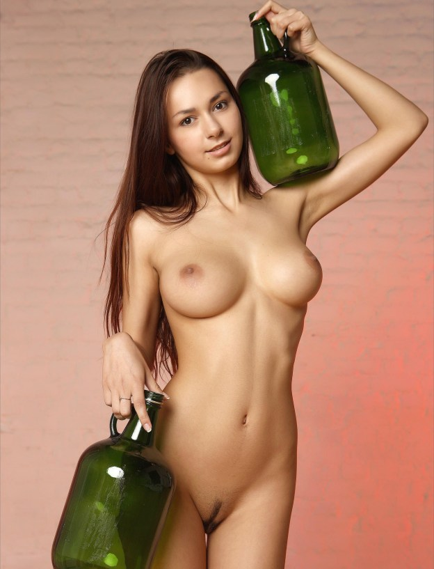 Helga Lovekaty nude full frontal photo shoot the fappening