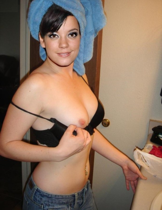 English singer Lily Allen nude selfies and pussy photos leaked The Fappening