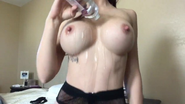 Allison Parker oily anal masturbation webcam video leaked The Fappening