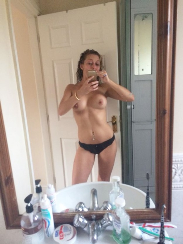 Suzanne Collins leaked nude photos from iCloud The Fappening 2019