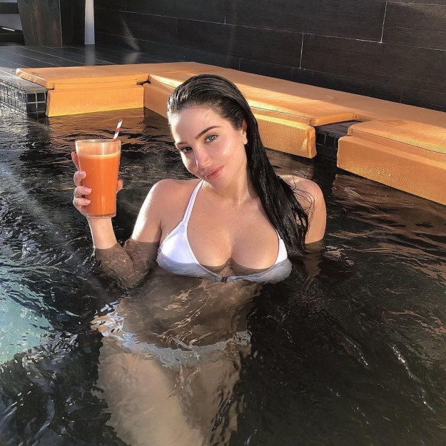 Tulisa Contostavlos blowjob video leaked from hacked iCloud by the Fappening