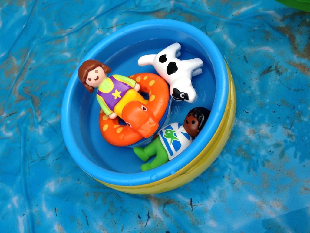playmobil paddling pool