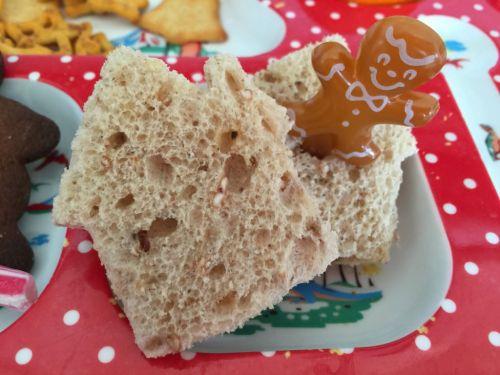 gingerbread house sandwich