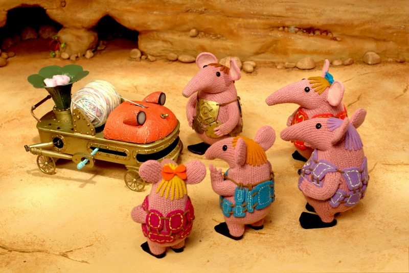 CLANGERS THE KNITTING MACHINE SHOT 4 CAVE KNITTING MACHINE TINY MAJOR SMALL MOTHER GRANNY copy
