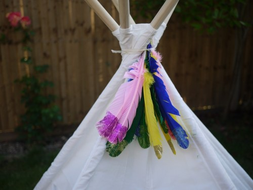 Simple decorating ideas for personalising a teepee