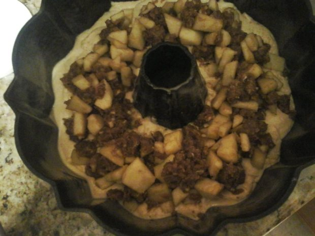 Apple Streusel Bundt Cake middle