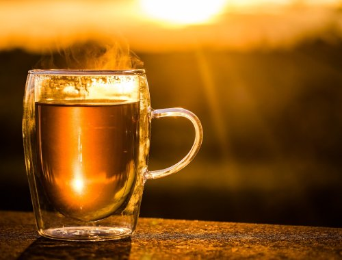 how to stay warm with Chinese medicine tea